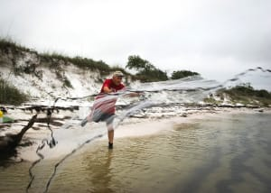 Best Sanibel & Captiva Wade Fishing Tips, Throwing Castnet For Bait, Sanibel & Captiva Islands, Photo Credit - MyFWCmedia.